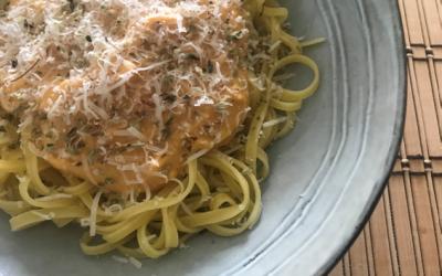 Pasta con salsa de calabaza vegana
